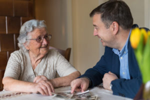 Older Adults with Dementia Benefit from Therapeutic Reminiscence
